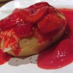 Mimis Cafe Strawberry Waffle Perdu