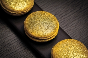Golden week menu-hakkasan-restaurant-macarons