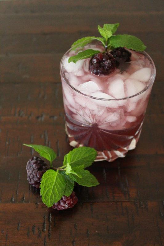 Soltado Blackberry Mint Margarita